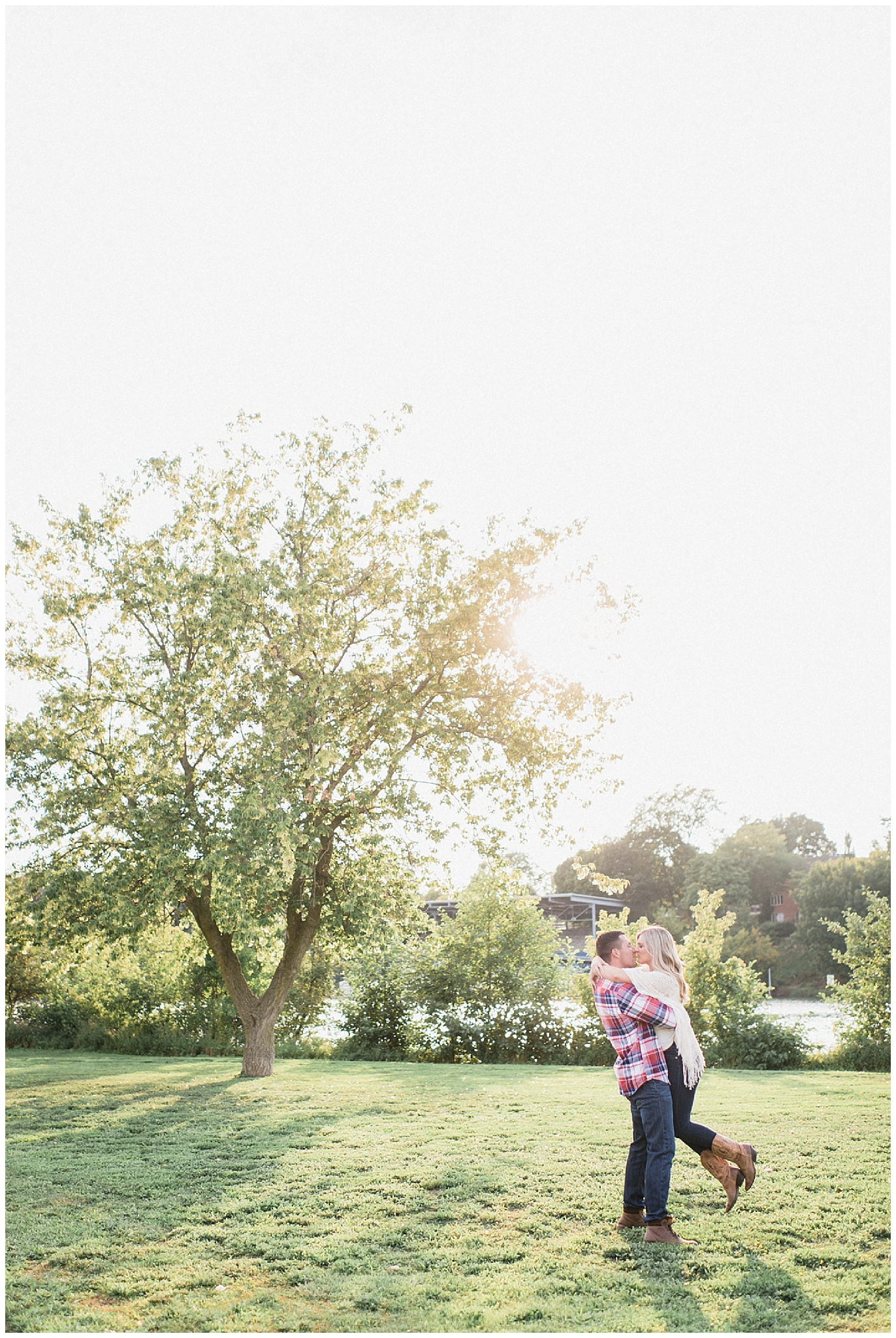 Summertime lakeside engagement session by Jenn Kavanagh Photography
