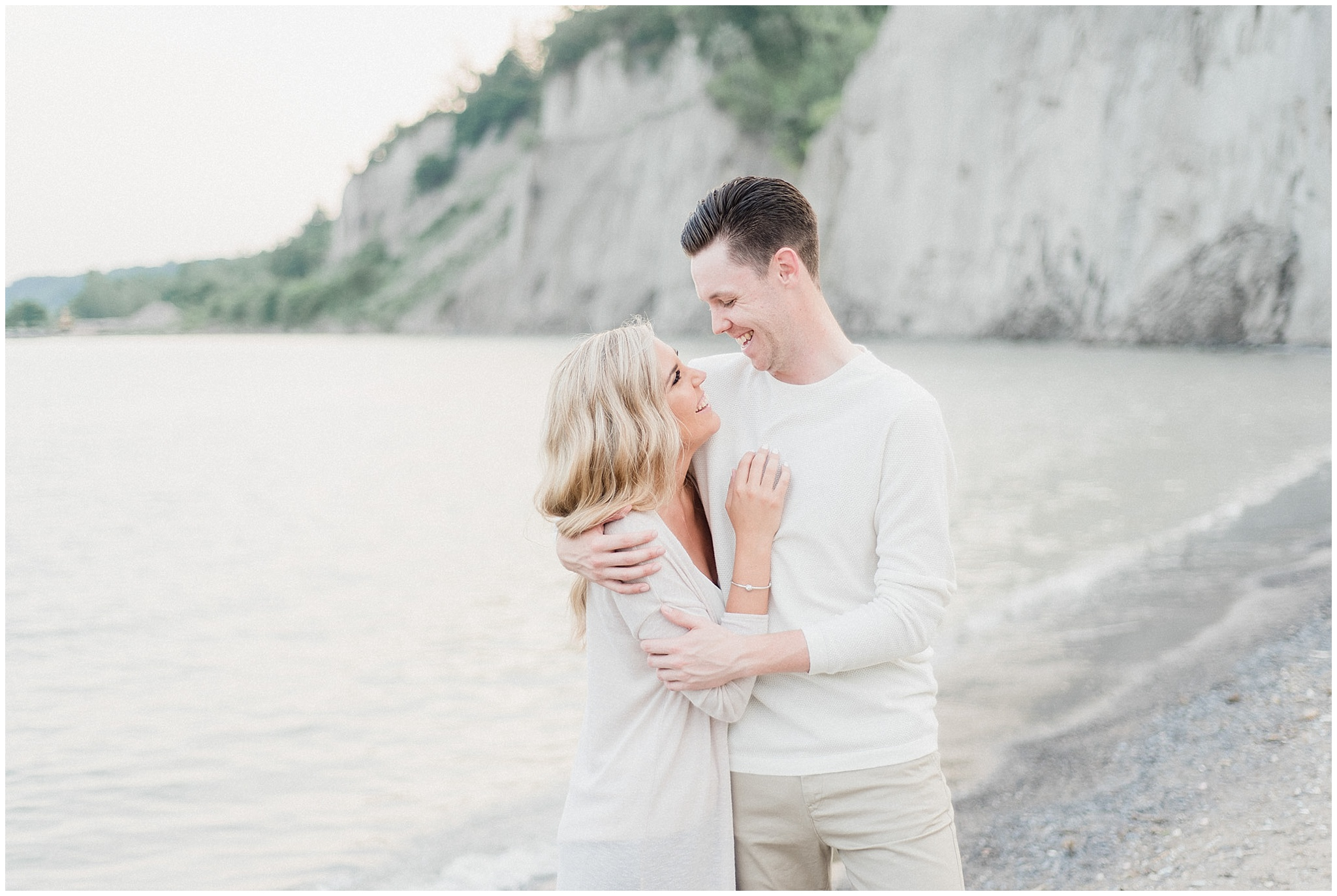 What to Wear for your Engagement Photos | Elegant Scarborough Bluffs Engagement Session by Jenn Kavanagh Photography