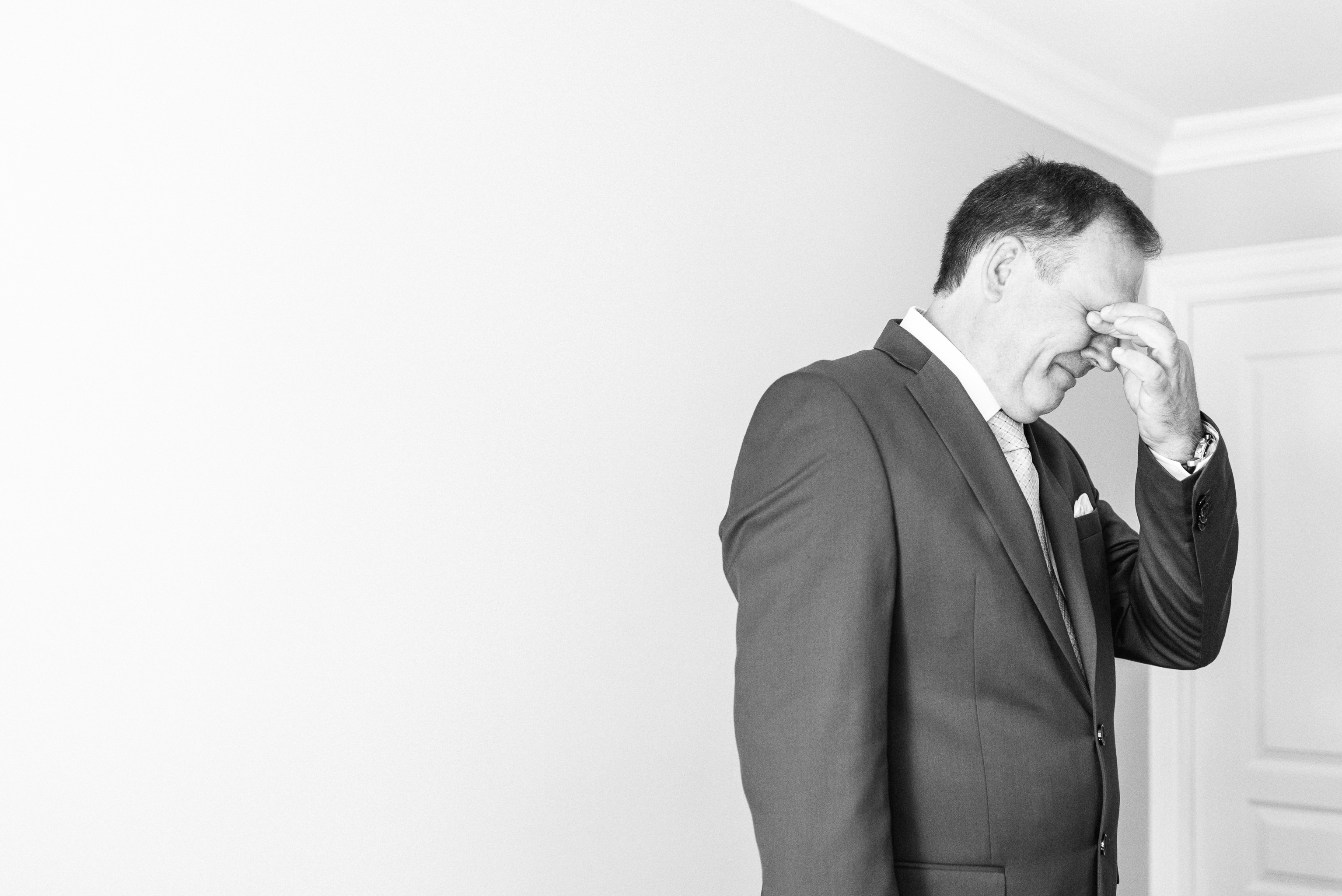 Emotional First Look with Bride's parents by Jenn Kavanagh Photography