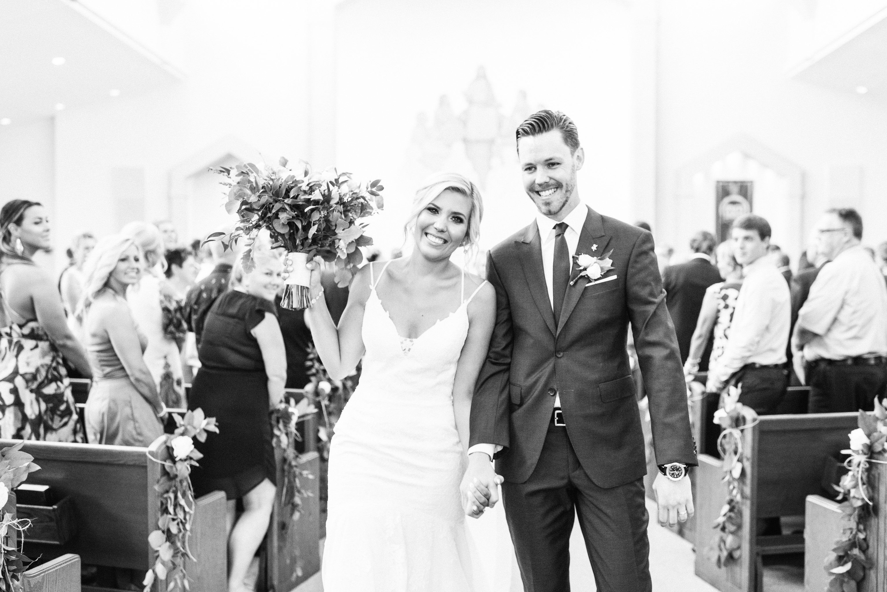 St. Matthews Catholic Church, Oakville wedding ceremony by Jenn Kavanagh Photography