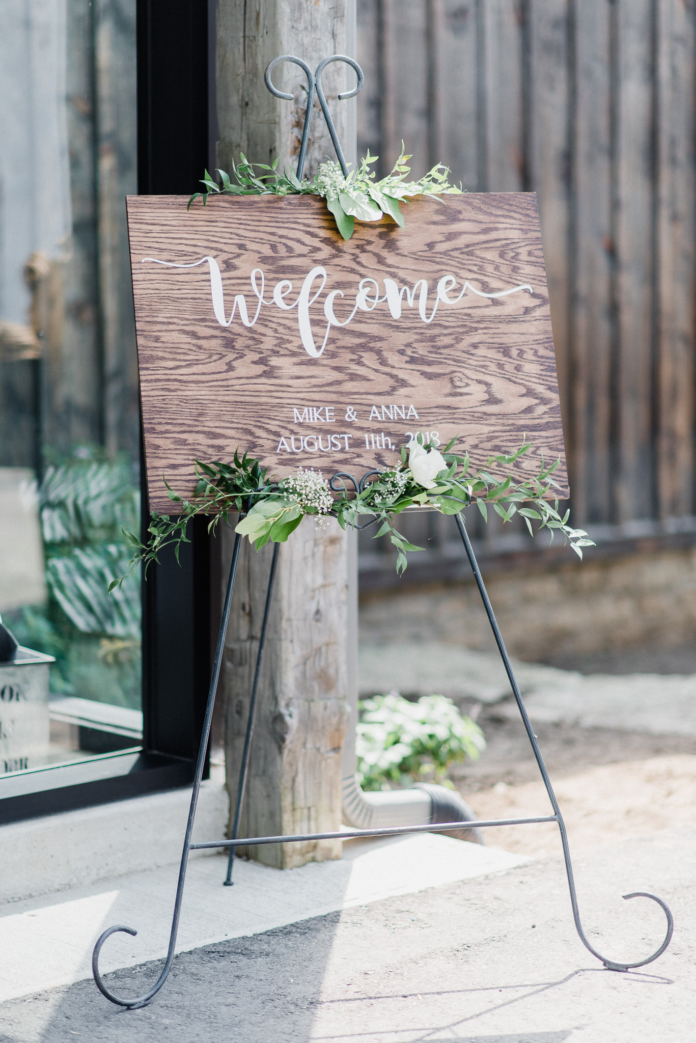 Wooden welcome sign | Summertime Wedding at Earth to Table Farm by Jenn Kavanagh Photography