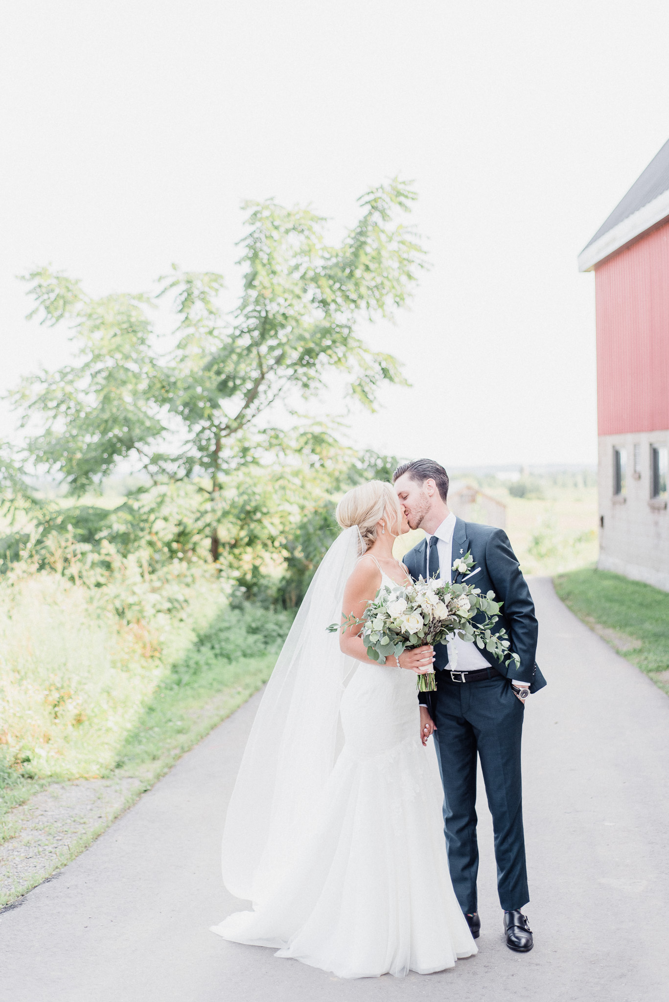 Summertime Wedding at Earth to Table Farm by Jenn Kavanagh Photography