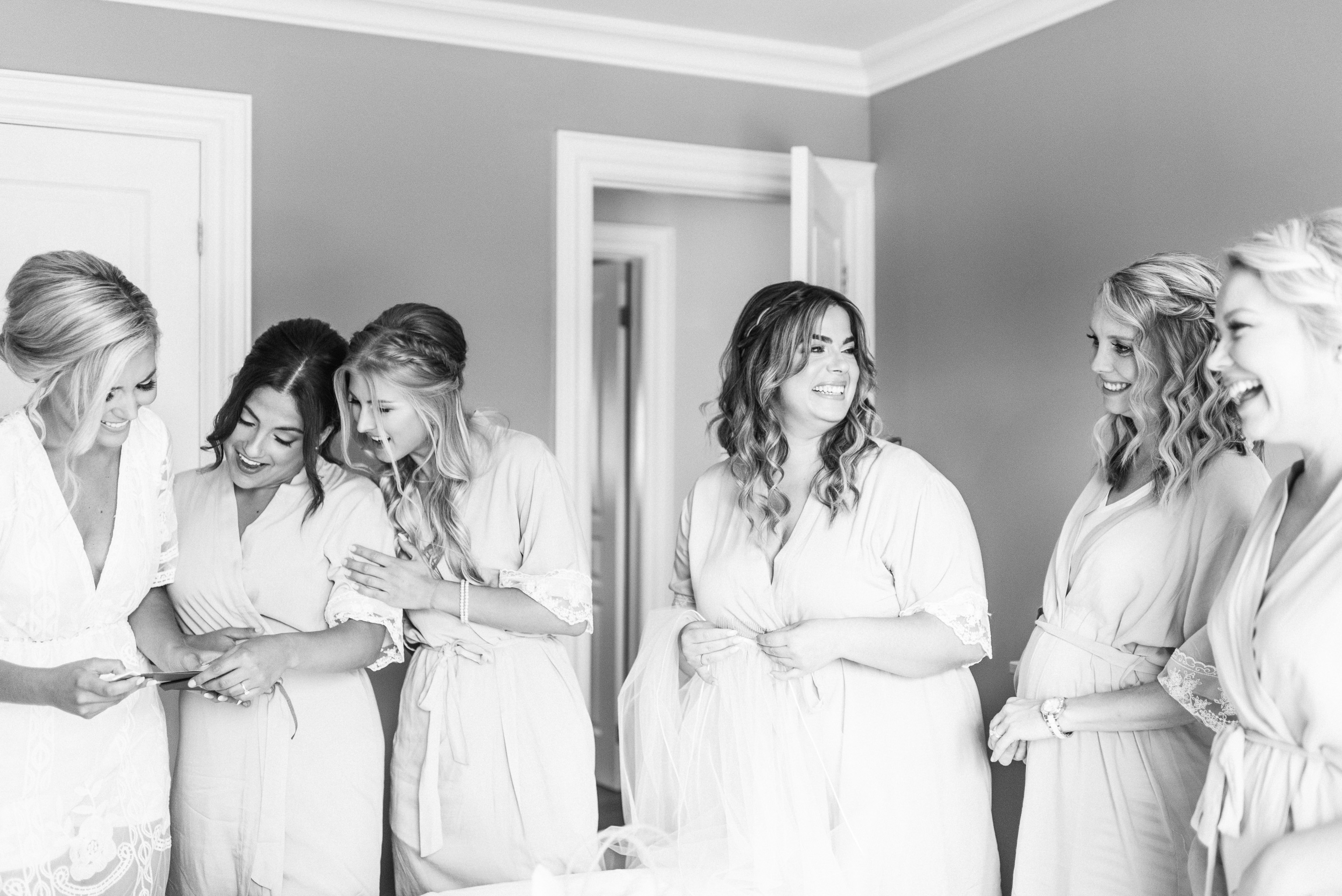 Bridal party getting ready | Jenn Kavanagh Photography