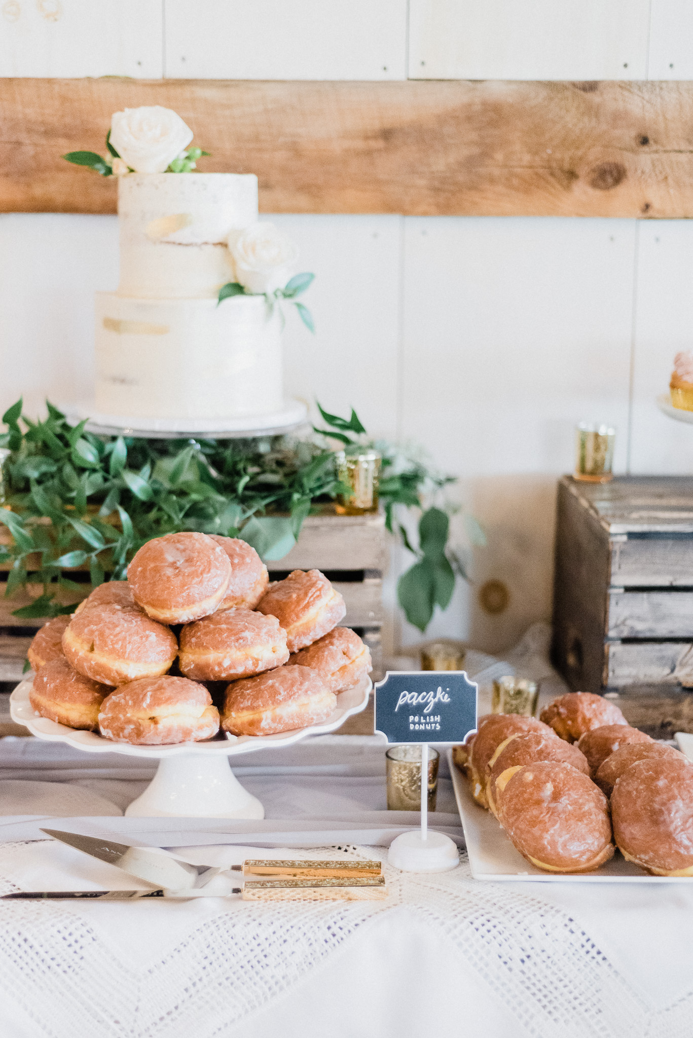 Donut Table | Ontario Barn wedding by Jenn Kavanagh Photography