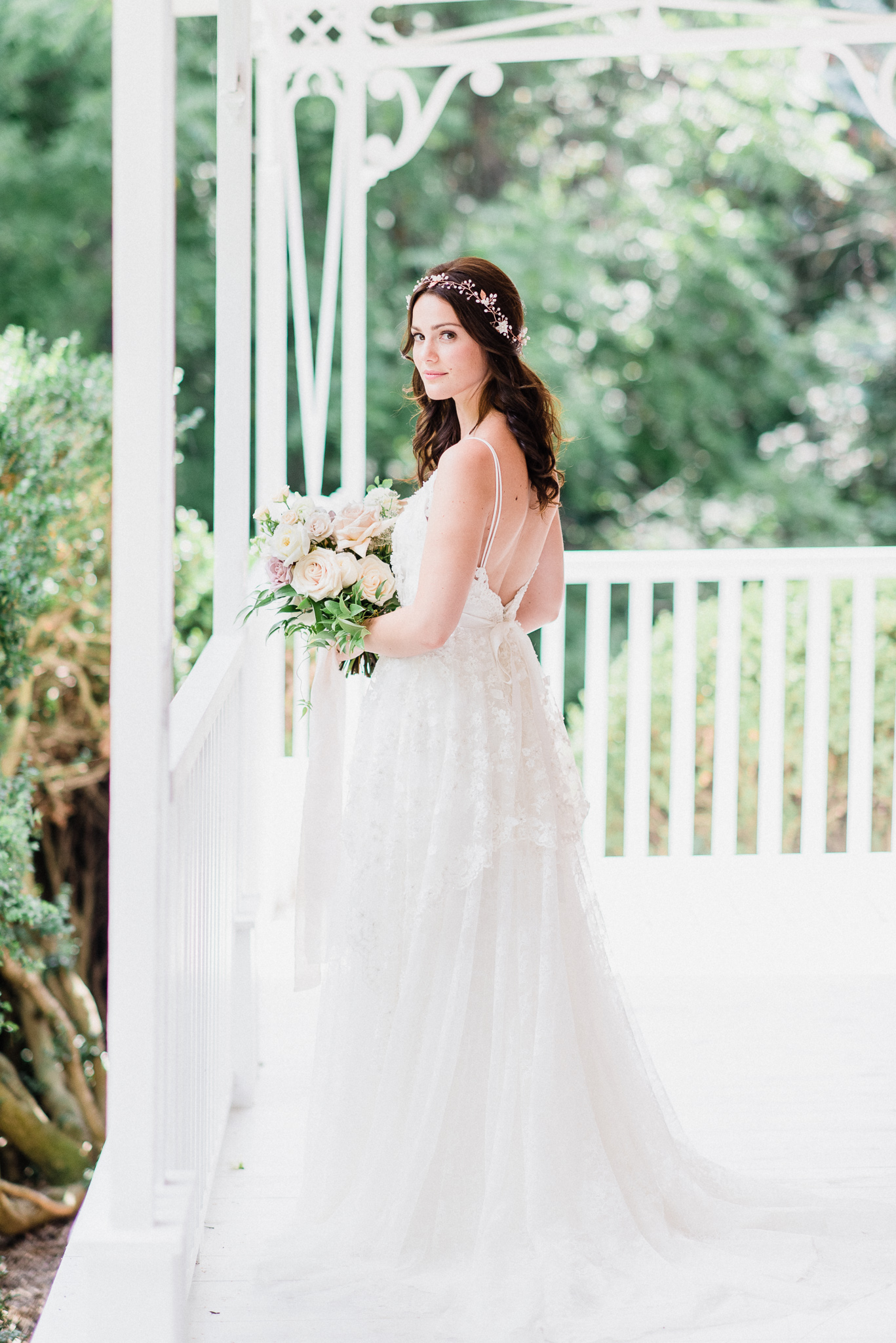 Elodie gown by Anais Anette, photographed by Jenn Kavanagh Photography