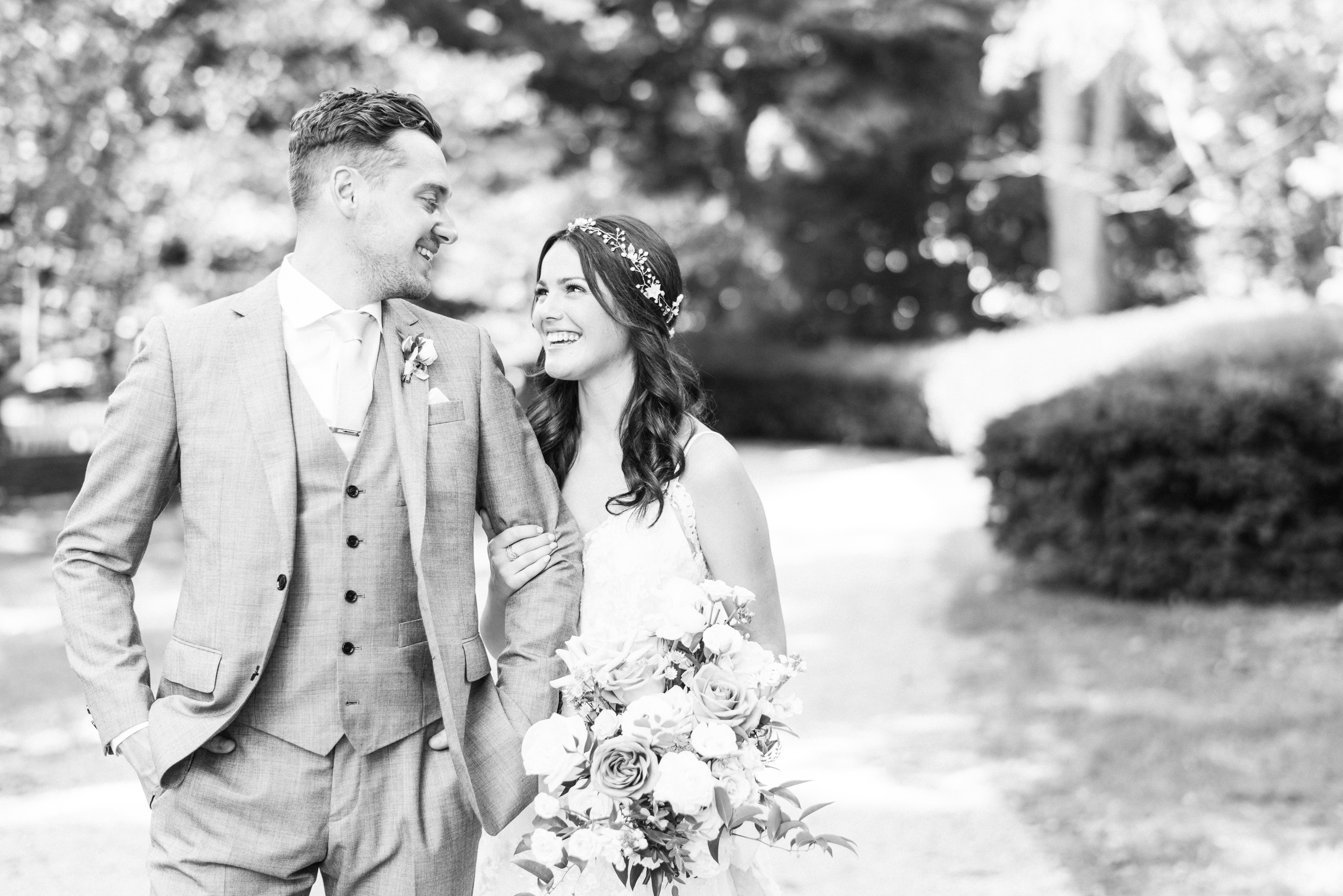 Bride and Groom Portraits at Gracewood Estates by Jenn Kavanagh Photography | Kurtz Orchards Wedding