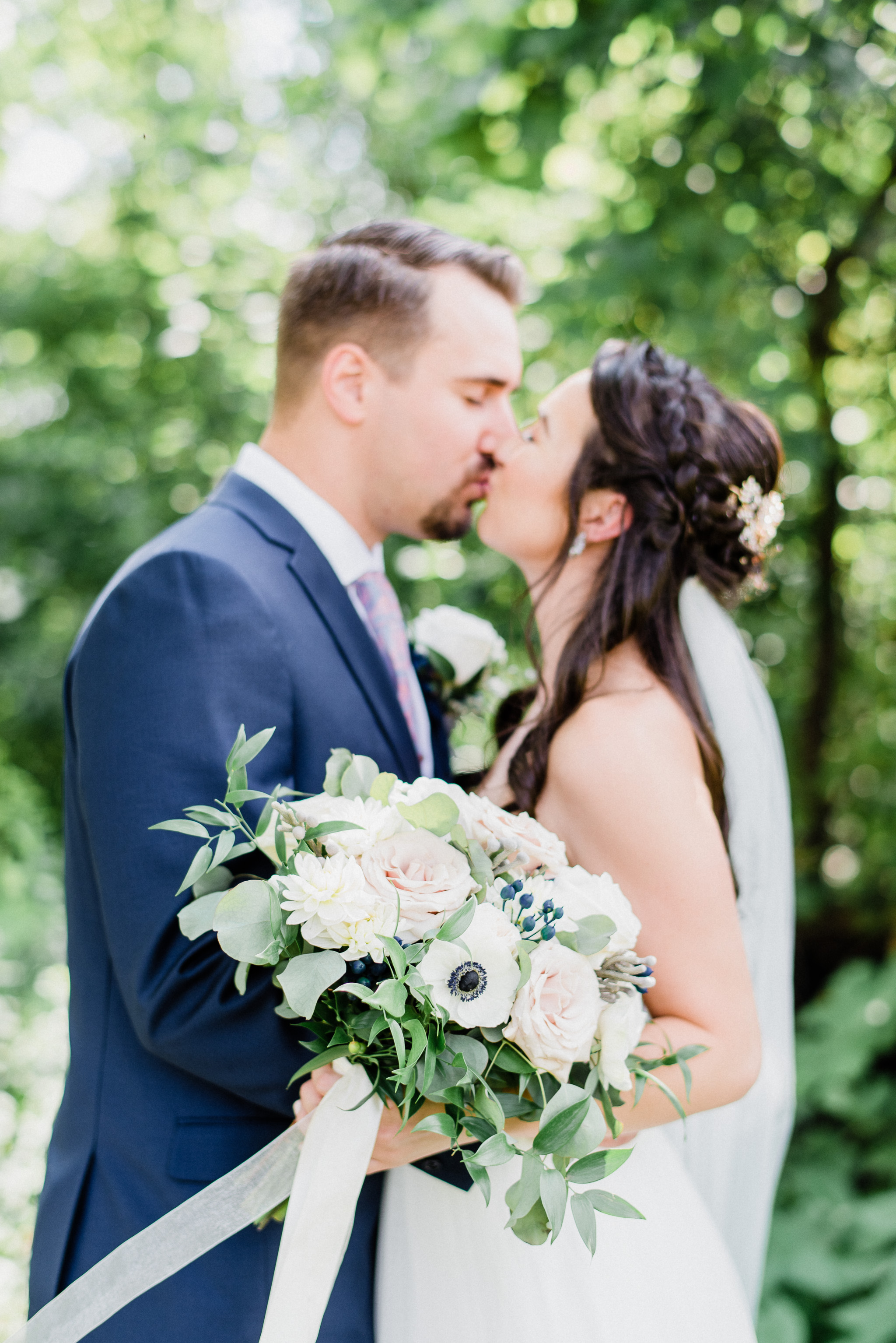 Summertime Wedding at Holland Marsh Wineries by Jenn Kavanagh Photography