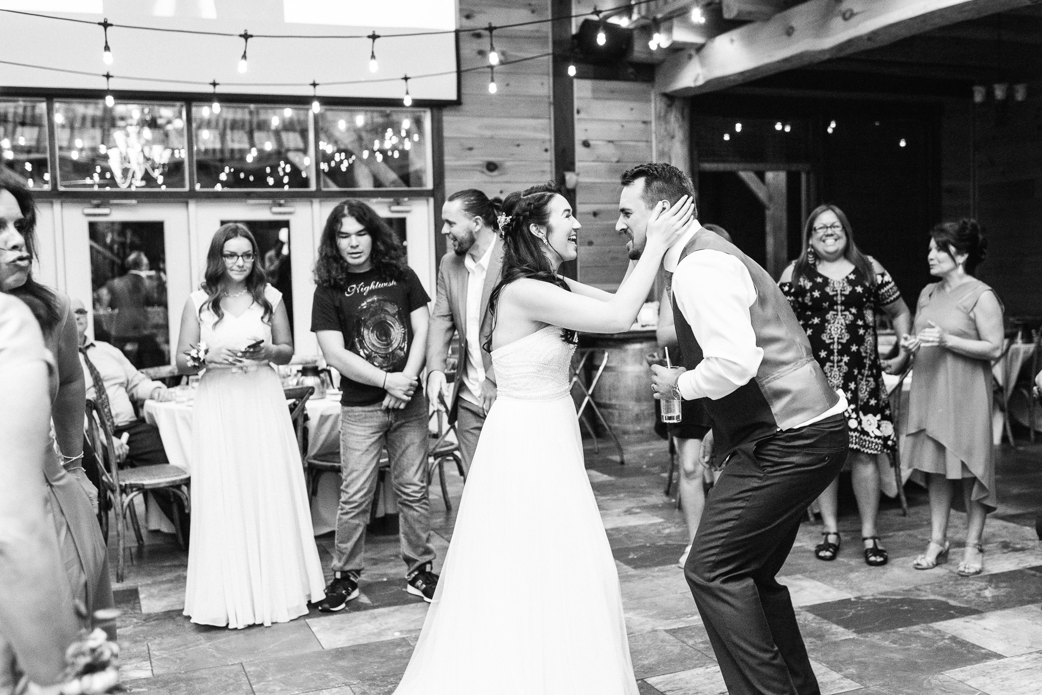 Holland Marsh Winery wedding by Jenn Kavanagh Photography