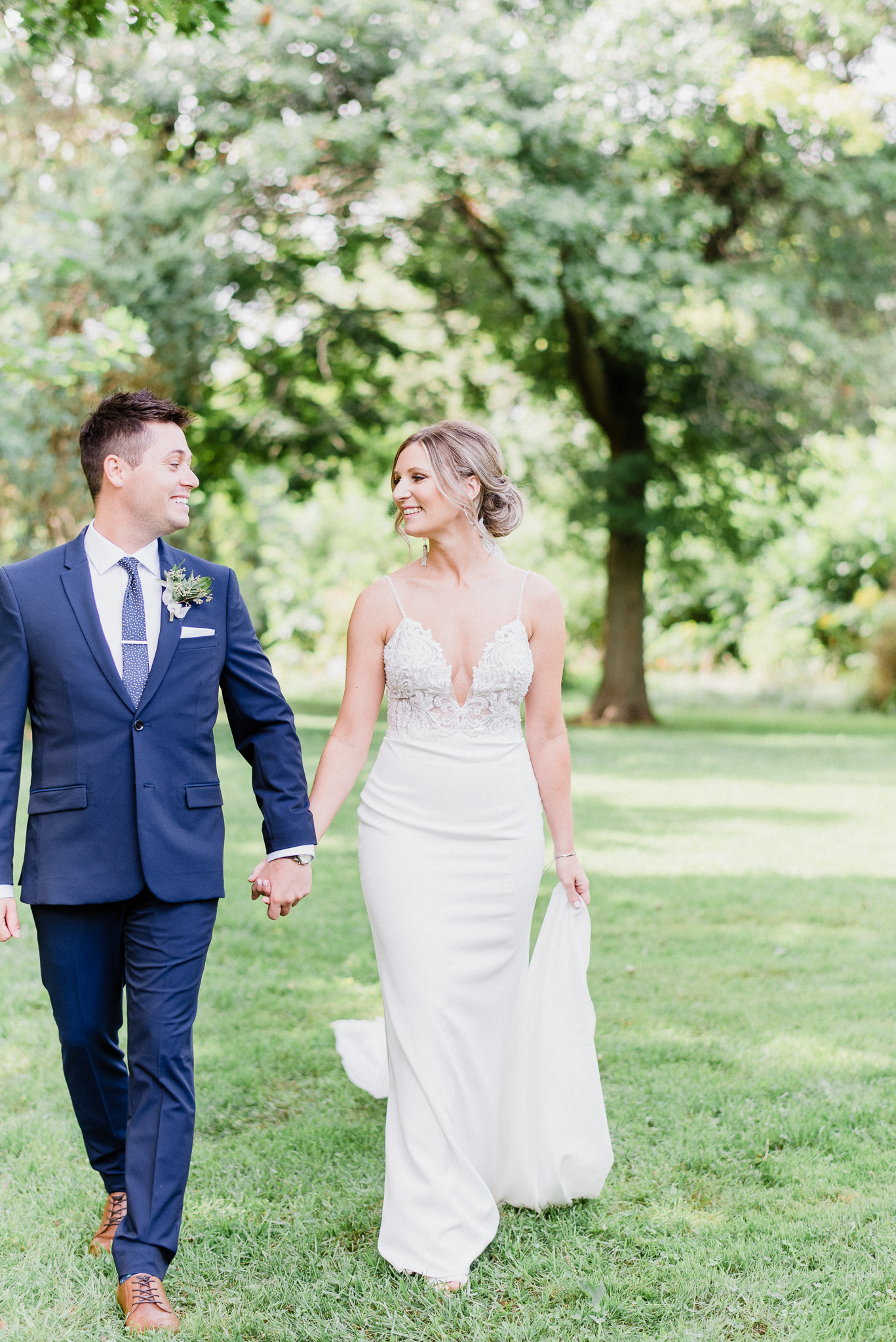 Shell Park, Oakville wedding photos by Jenn Kavanagh Photography