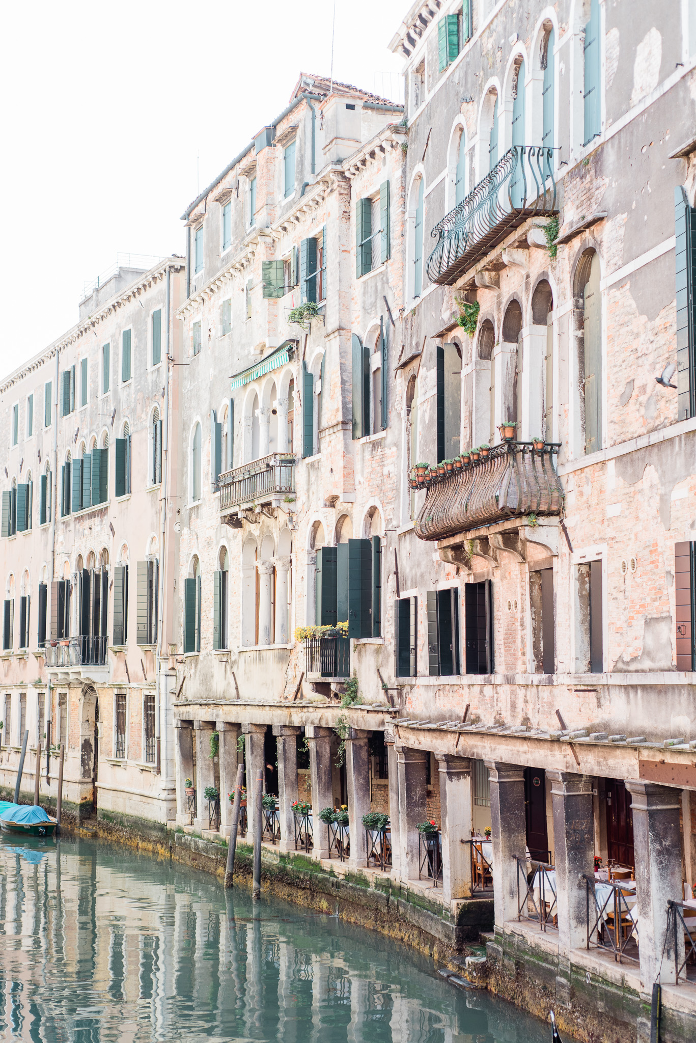Canals in Venice | Two Weeks in Italy by Jenn Kavanagh Photography