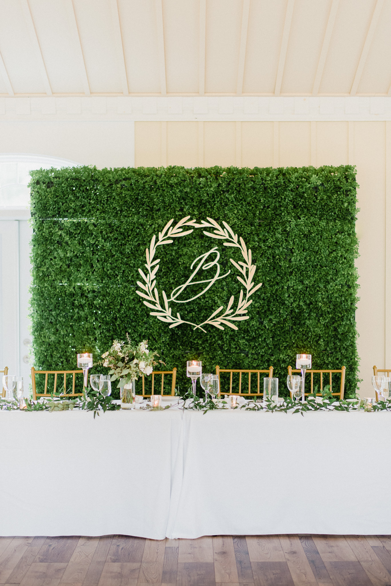 Gold & Green themed wedding by Jenn Kavanagh Photography
