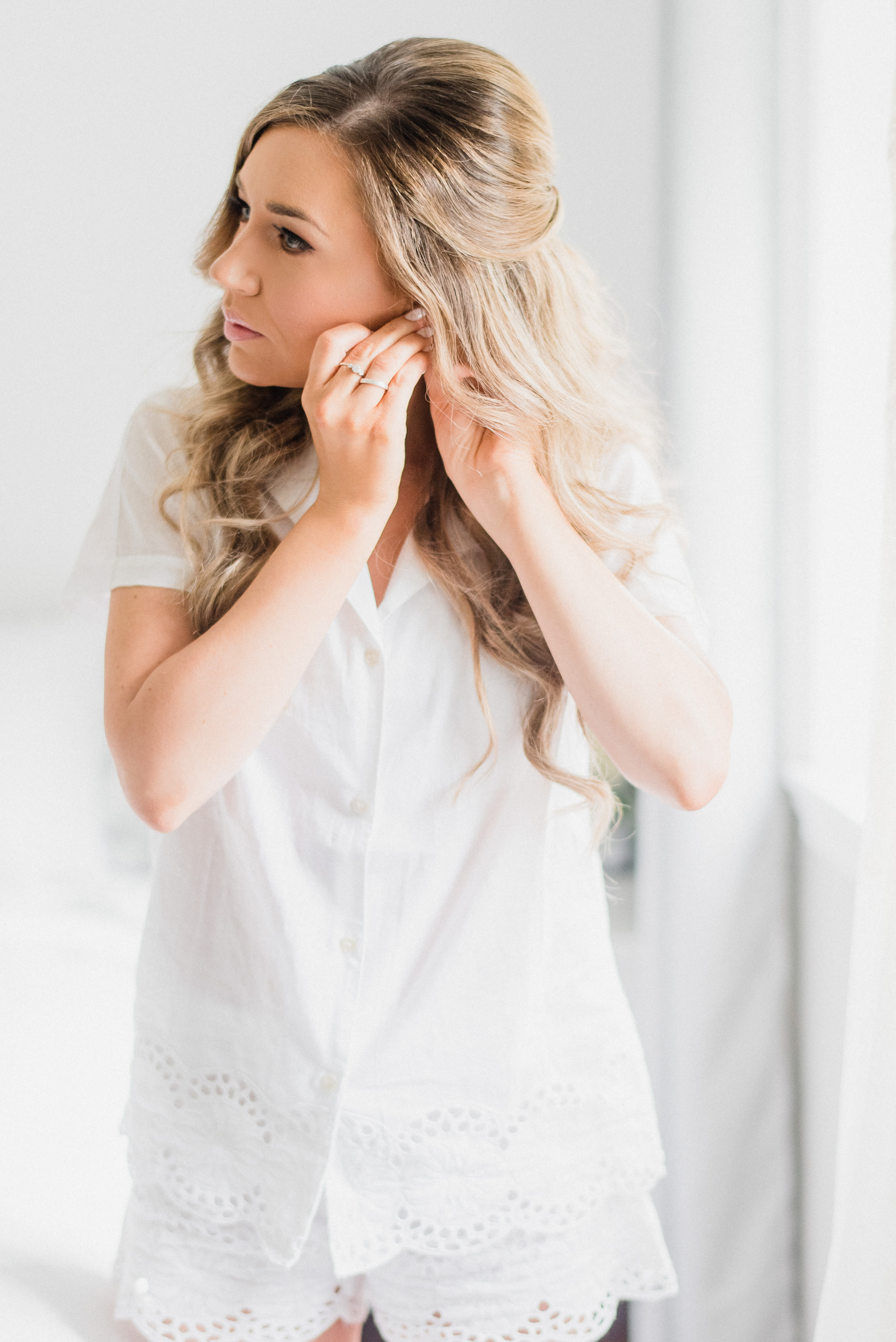 Bright and airy bridal prep | Jenn Kavanagh Photography