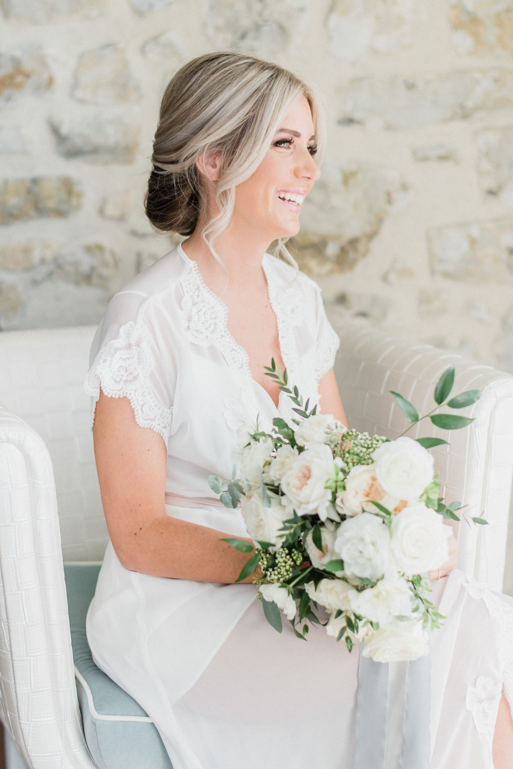 Bright and airy bridal getting ready photos by Jenn Kavanagh Photography