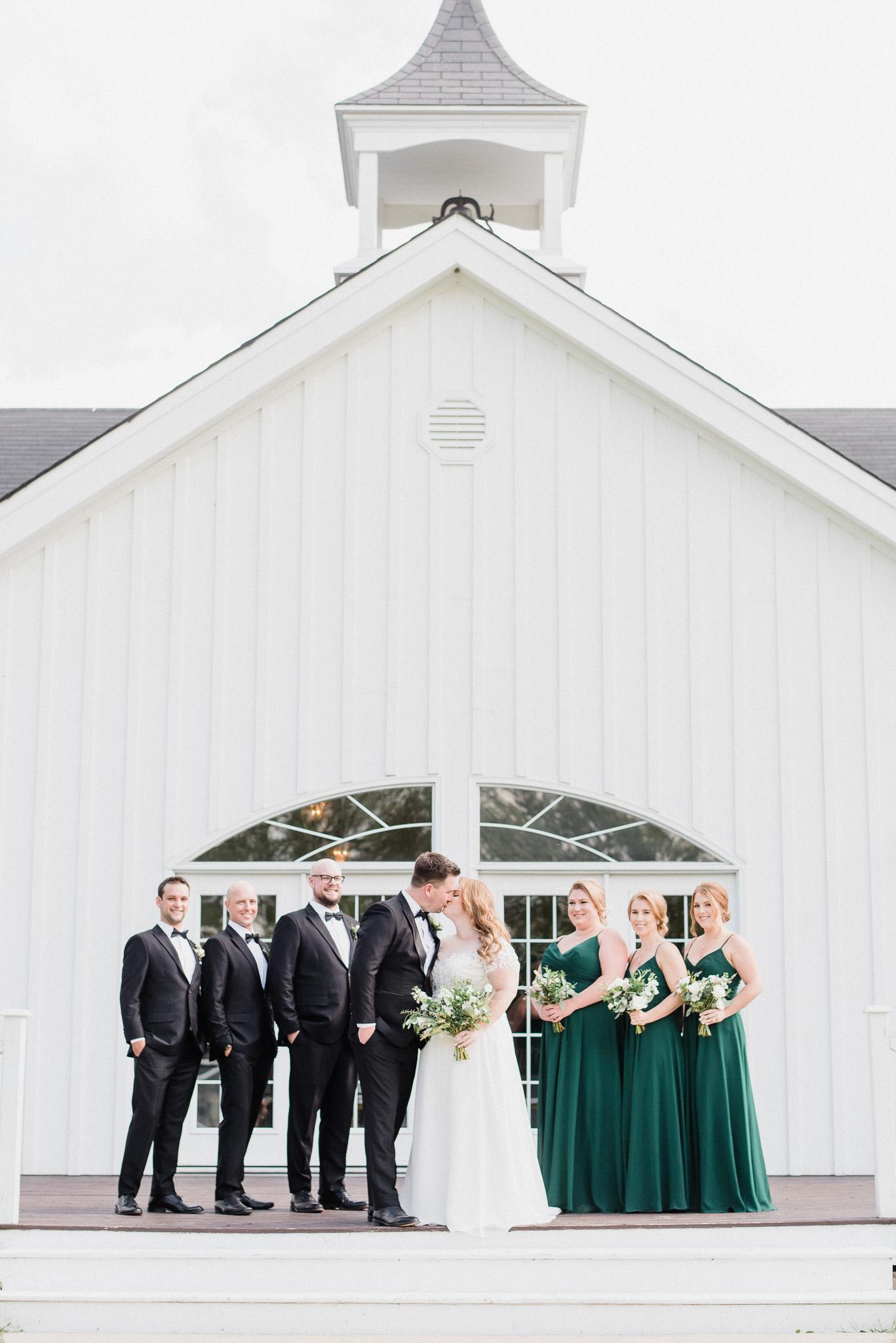 Gold & Green themed wedding by Jenn Kavanagh Photography